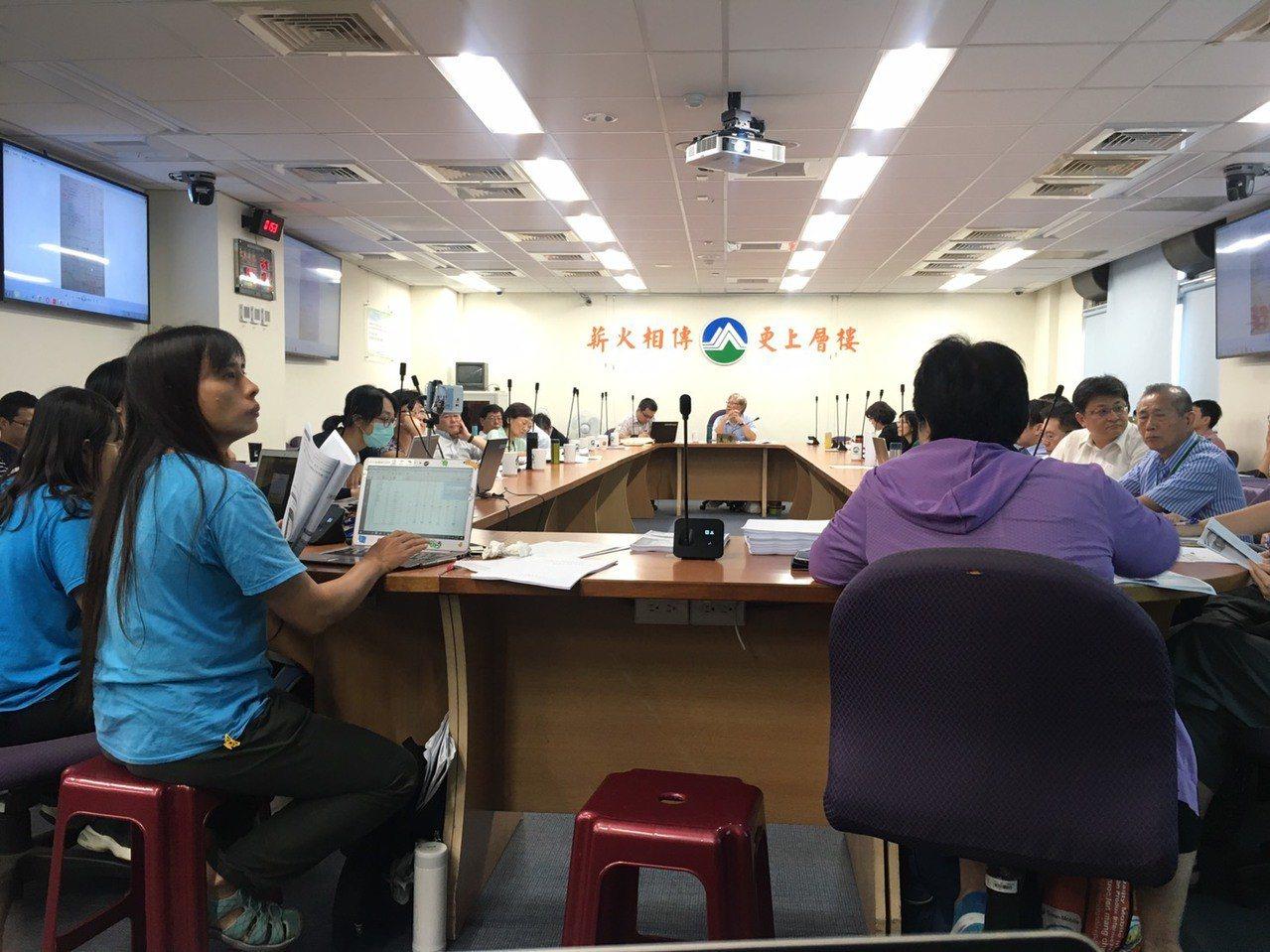 環保署專案小組今天審議彰化二林精密機械產業園區開發計畫。記者吳姿賢/攝影