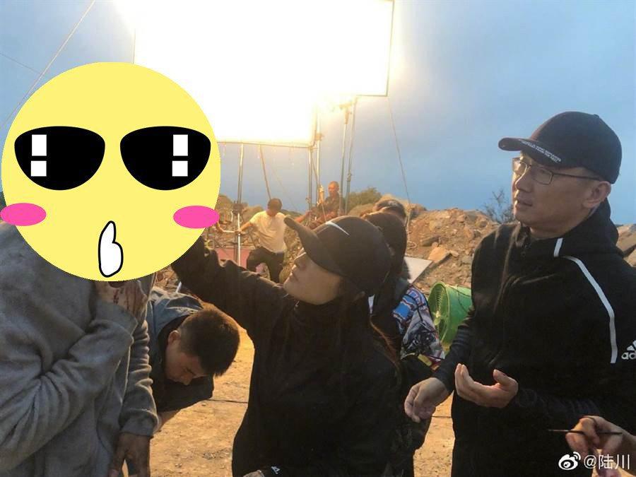導演陸川分享李晨頭破血流照。圖/摘自微博
