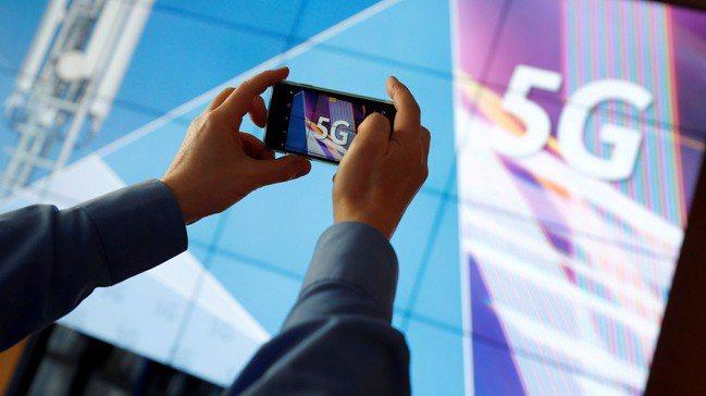 美國與中國正在爭搶5G等新技術的主導權,但若結果是拉下「數位鐵幕」,反而將削弱美...