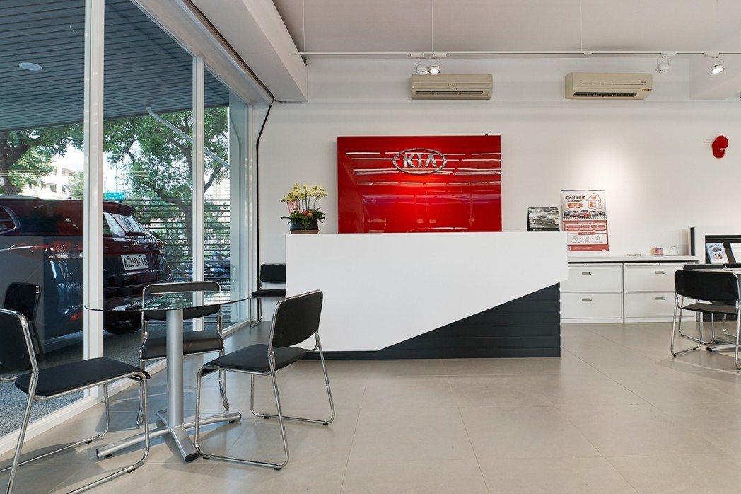 高雄民權展示中心提供舒適自在的賞車環境與便利專業的保修服務。