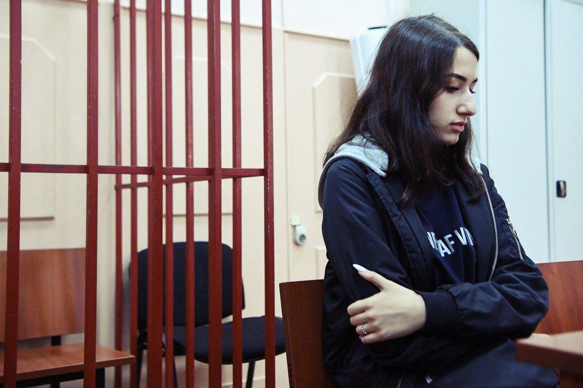 6月中旬,俄羅斯的卡查恩杜亞家三姊妹,因2018年犯下的「弒父案」,遭檢方正式指...
