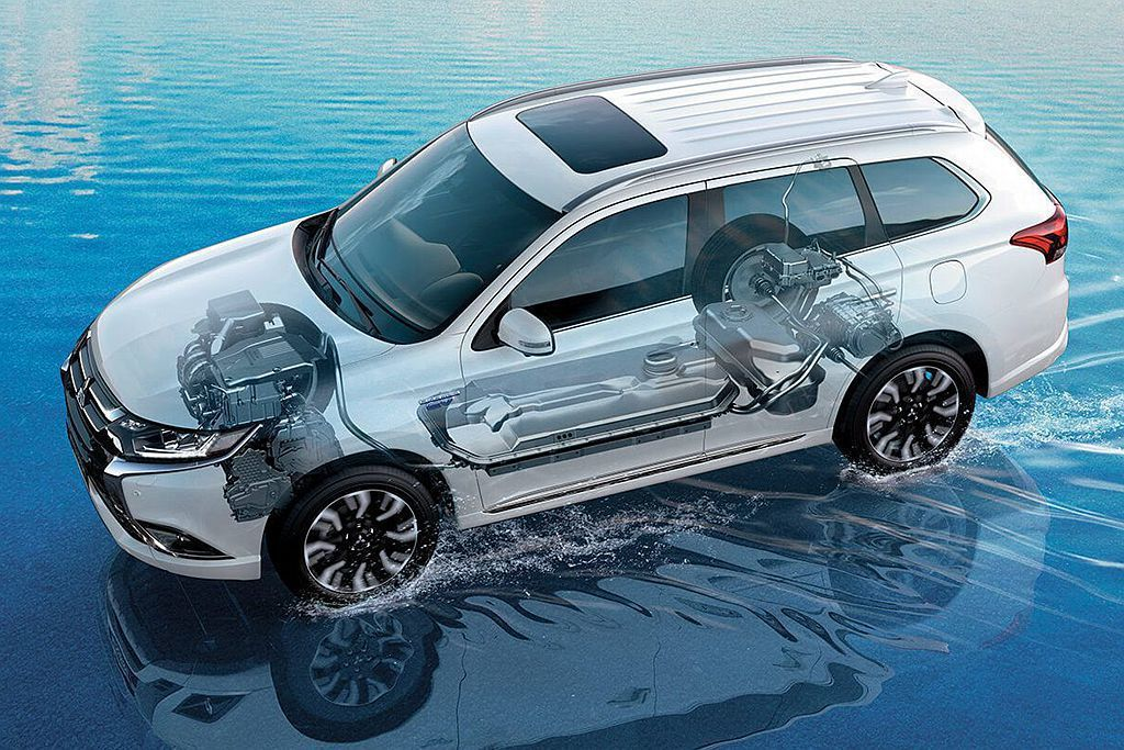 目前三菱汽車極力發展插電式油電複合動力系統,若新世代Lancer Evoluti...