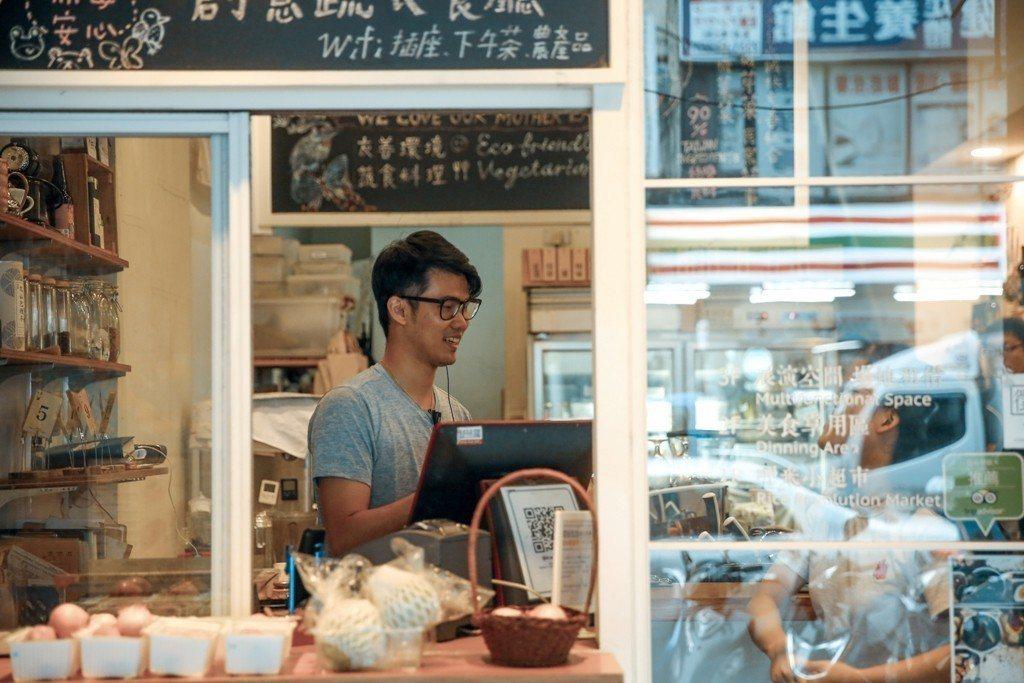 Ubag合作店家多達160個,但李哲宇希望在身邊的每個社區都有一間店! 圖/Ub...