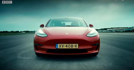 影/Tesla Model 3挑戰內燃機最強對手! 雙B與愛快跟得上嗎?