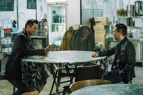 「使徒行者2諜影行動」由張家輝、古天樂及吳鎮宇三大金獎影帝再度合作演出,「無間道」導演劉偉強監製,打造橫跨歐亞拍攝的超強巨製。電影宣佈拍攝續集時便備受觀注,今天公佈前導預告,充滿諜對諜的緊張氣氛,「...