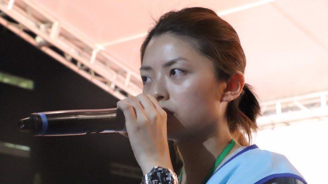 空服員工會內部意見分歧,郭芷嫣搶麥喊話「如果要罷到底,我郭芷嫣在這裡等你們」。 ...