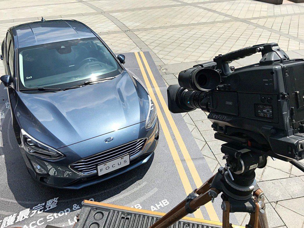 Ford邀請無論是專程來台北電影節看電影的觀眾或一般民眾,皆可「與Ford一起演...