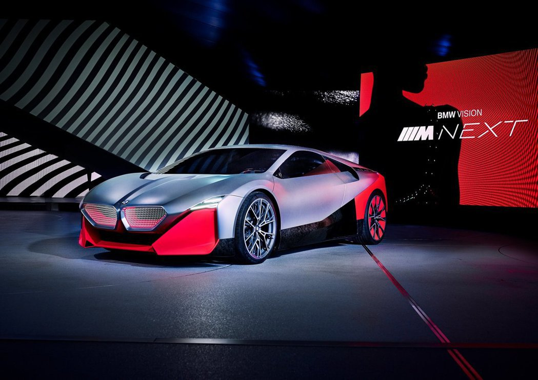 BMW Vision M Next純電行駛距離可達100公里。 摘自BMW