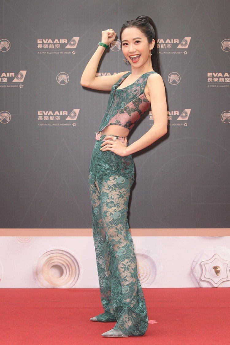 第30屆金曲獎,頒獎典禮主持人LuLu黃路梓茵走星光大道。記者陳立凱/攝影