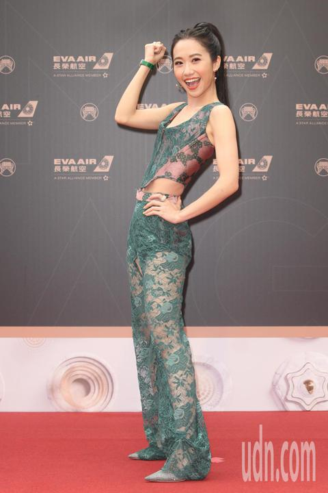 第30屆金曲獎,頒獎典禮主持人LuLu黃路梓茵走星光大道。