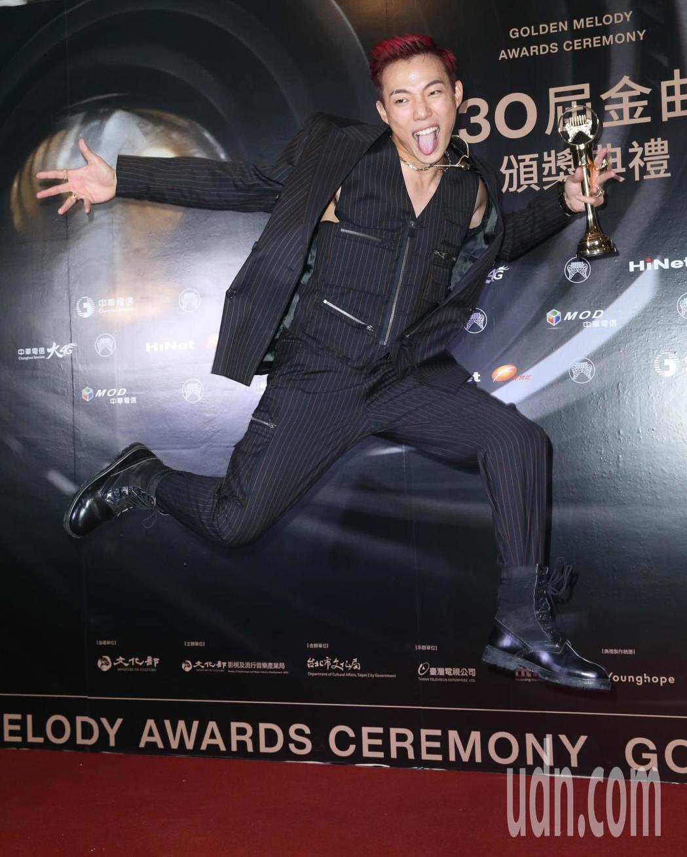 第30屆金曲獎,最佳新人獎由ØZI獲得。記者葉信菉/攝影
