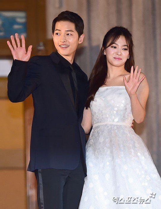 宋仲基(左)、宋慧喬結婚不到2年就離婚。圖/摘自Xportsnews