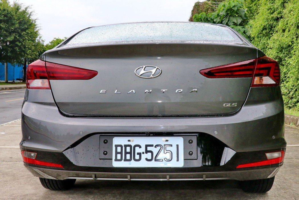車尾設計變得更具辨識度。 記者陳威任/攝影