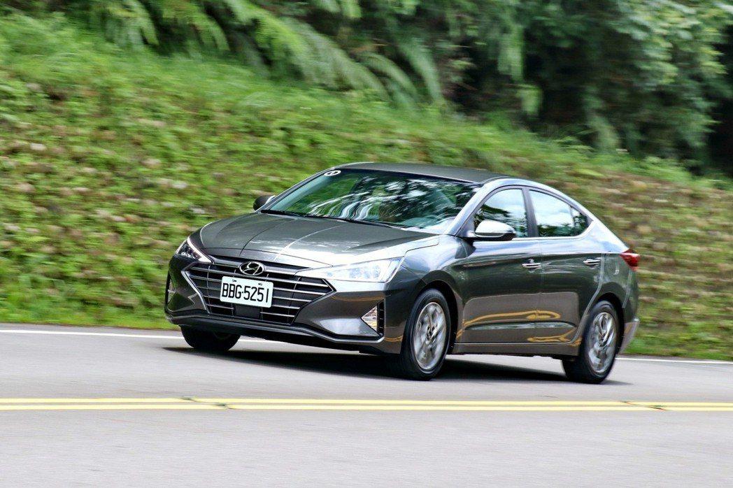 Hyundai Elantra以兩款不同調性的車款,滿足不同車主需求。 記者陳威...