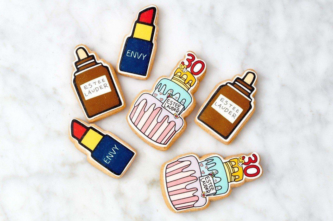 7月1日到雅詩蘭黛專櫃,免費送生日蛋糕造型餅乾。圖/雅詩蘭黛提供