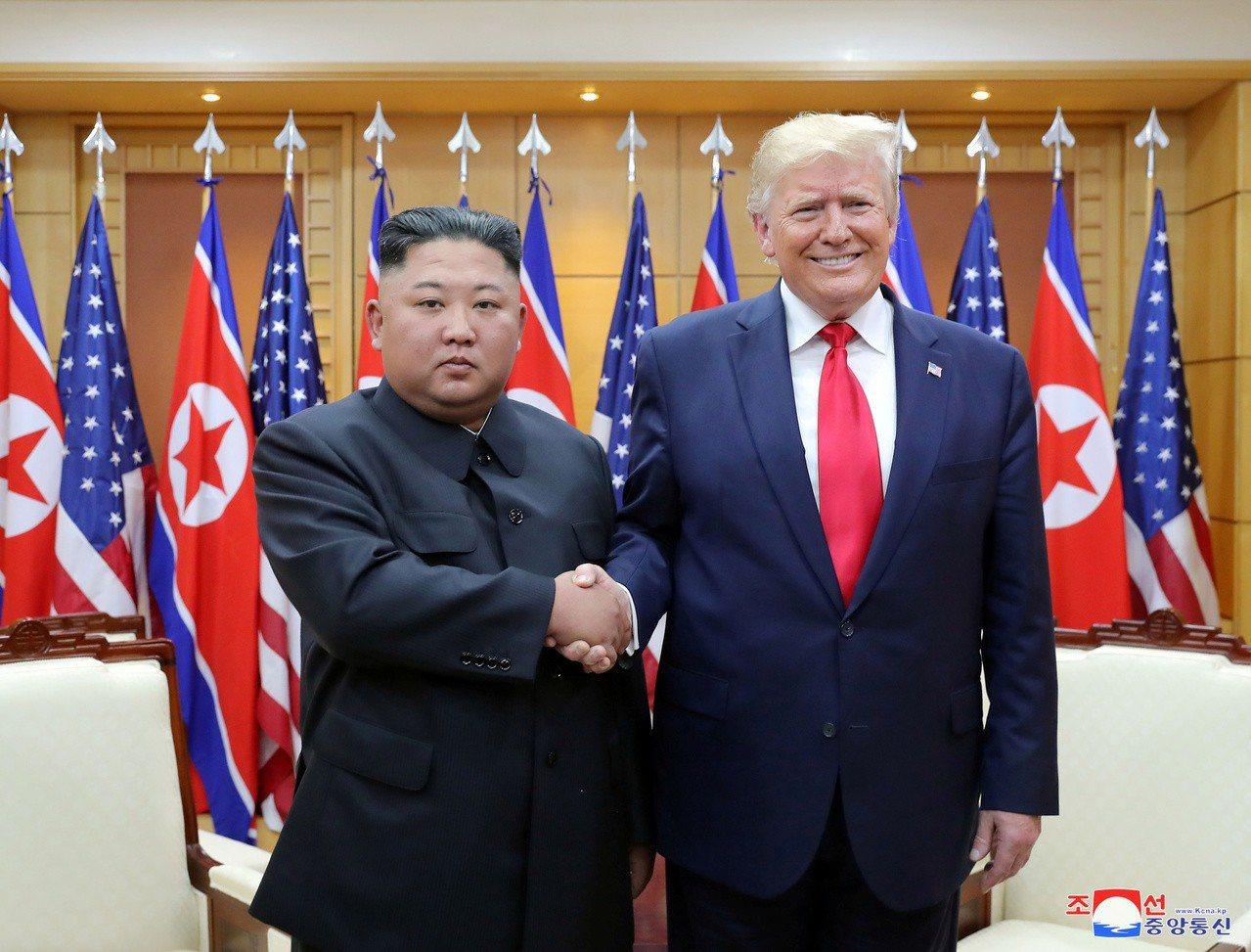 美國總統川普和北韓領導人金正恩6月30日在板門店會晤後,這一次雙方時隔98天舉行...