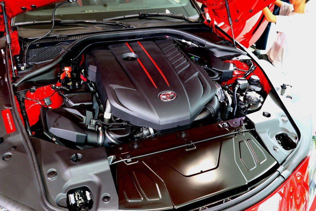 搭載源自BMW的3.0 Turbo 直列六汽缸渦輪增壓引擎。 記者陳威任/攝影