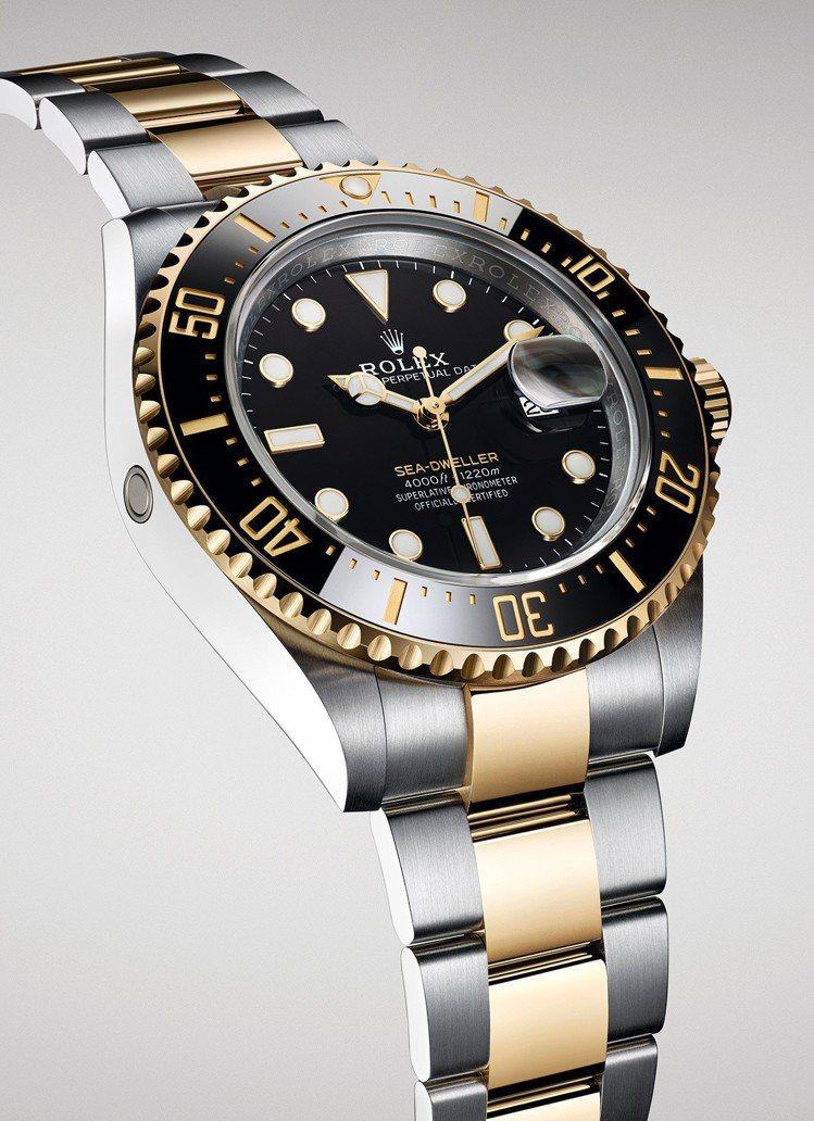 新款Sea-Dweller黃金鋼款,外圈、錶冠與錶帶中間鏈節以18ct黃金打造,...