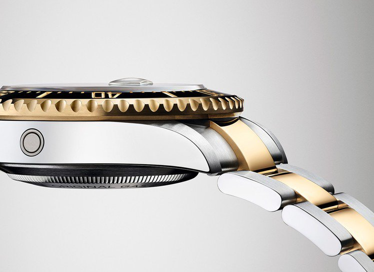排氦閥門會釋放錶殼內部累積的過大壓力,同時確保腕錶能有效防水。 圖/勞力士 提供