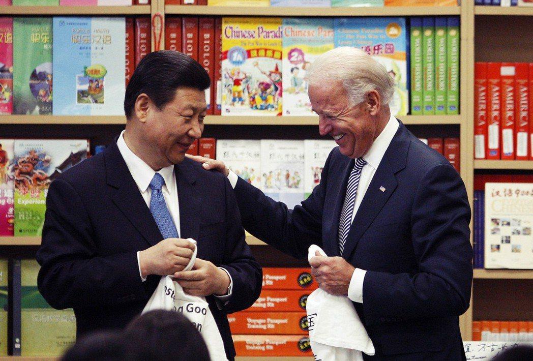 拜登在今年5月宣稱「中國不是我們競爭對手」,但在中國對於美國的威脅日益嚴重、美中...