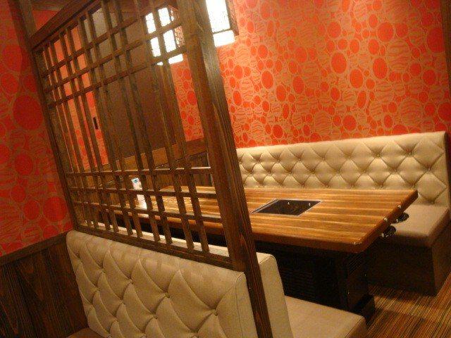 日本橋店座位較寬敞 客人年齡層也較高一些