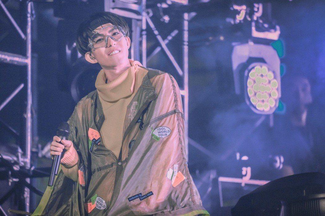 林宥嘉積極投入於「idol世界巡迴演唱會」。圖/華研提供