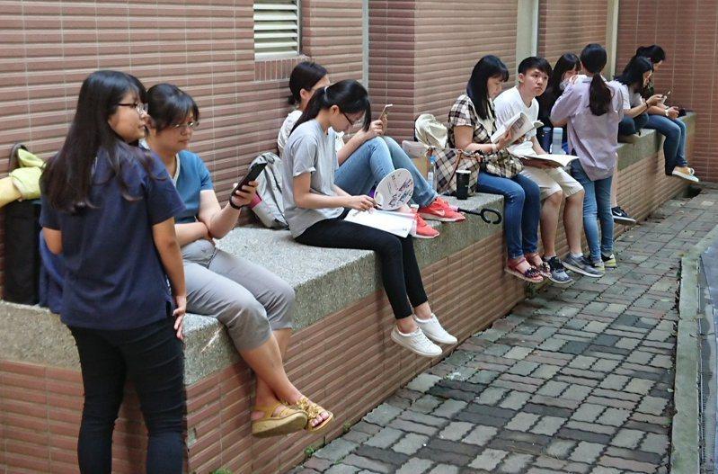 4.3萬多人報名的大學指考7月3至5日將登場。本報資料照