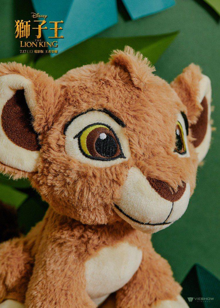 「獅子王」電影玩偶辛巴。圖/威秀提供