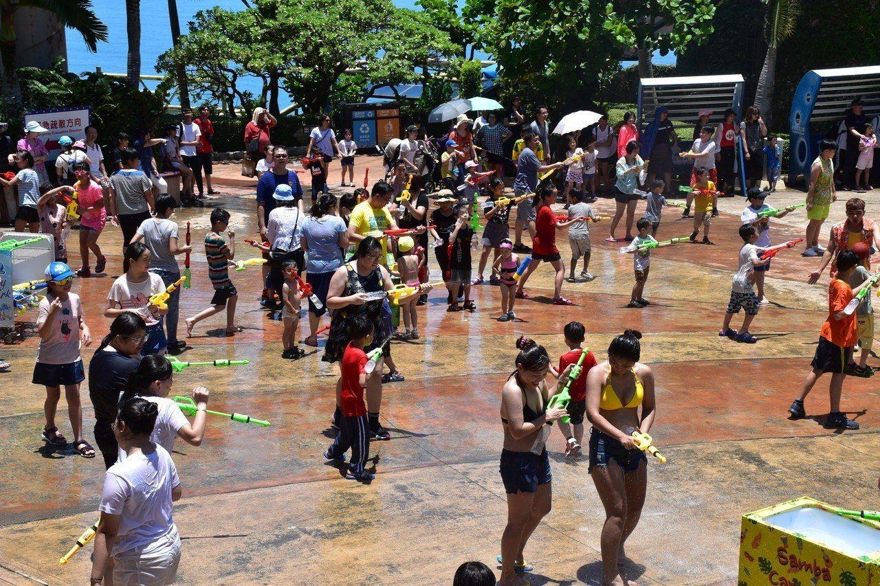 遠雄海洋公園在暑假推出打水仗活動。記者王思慧/攝影
