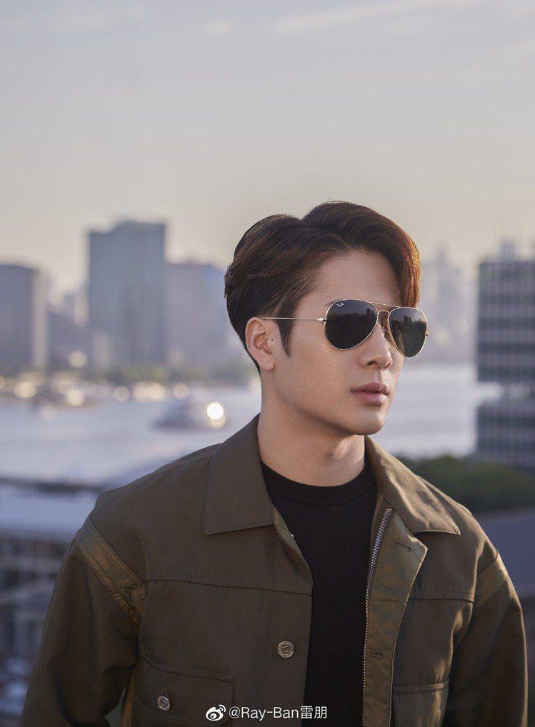 南韓男團「GOT7」 的人氣團員王嘉爾,被雷朋眼鏡相中,受邀成為品牌全球代言人。...