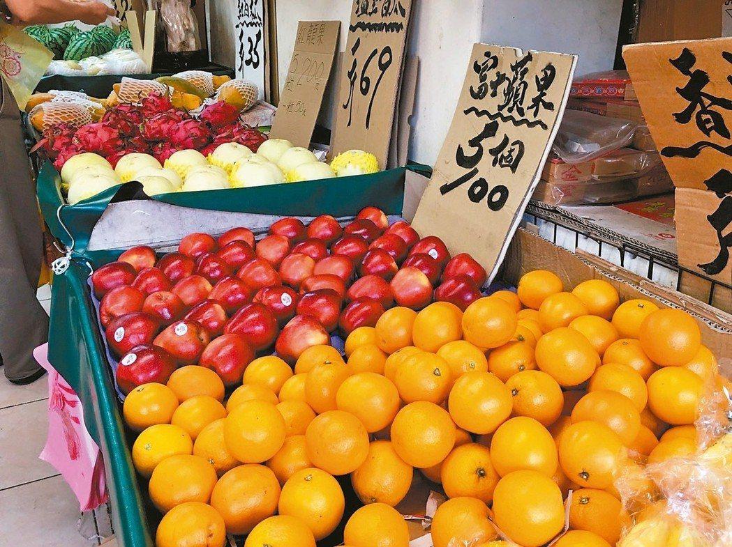 水果飯前飯後都可以吃。 記者鄧桂芬/攝影