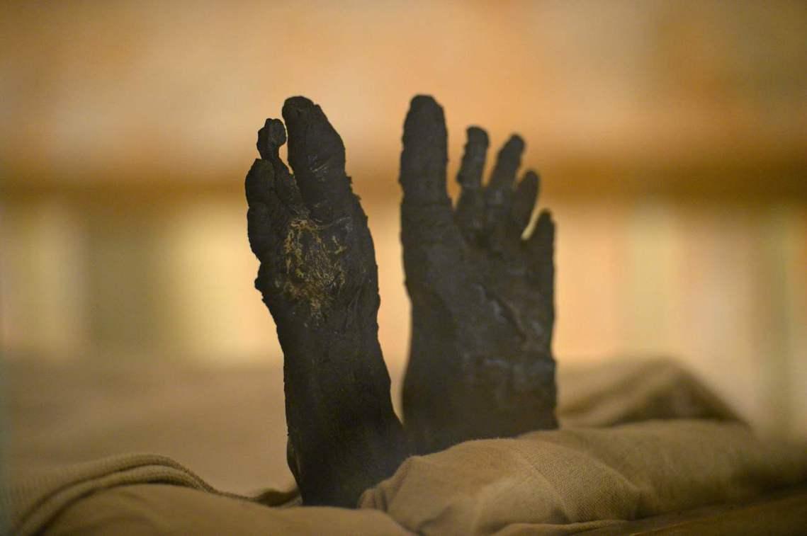 讓圖坦卡門成為世人所熟知的法老的主要原因,則是他保存極為完整的陵墓。位於埃及帝王...
