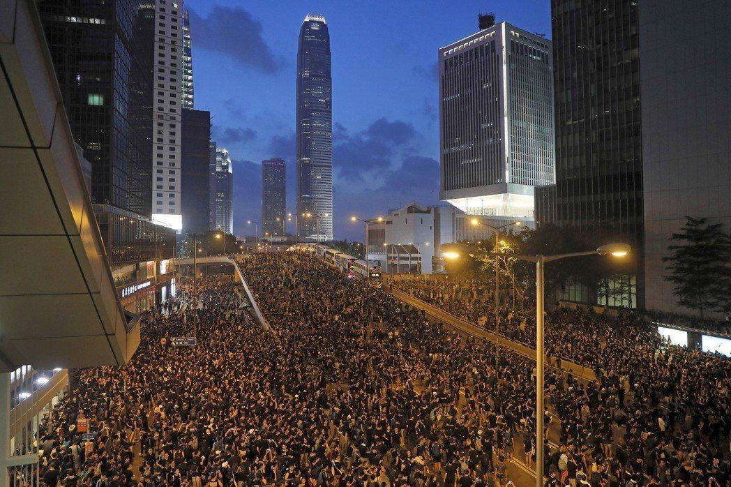 6月16日有數百萬人上街示威反送中。 圖/美聯社