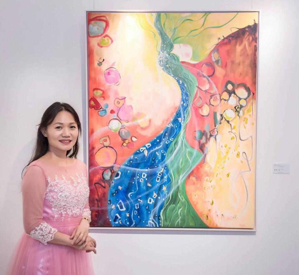 以獨特迭金畫驚豔藝壇的創作藝術家游淑媛。人文遠雄博物館高雄分館/提供