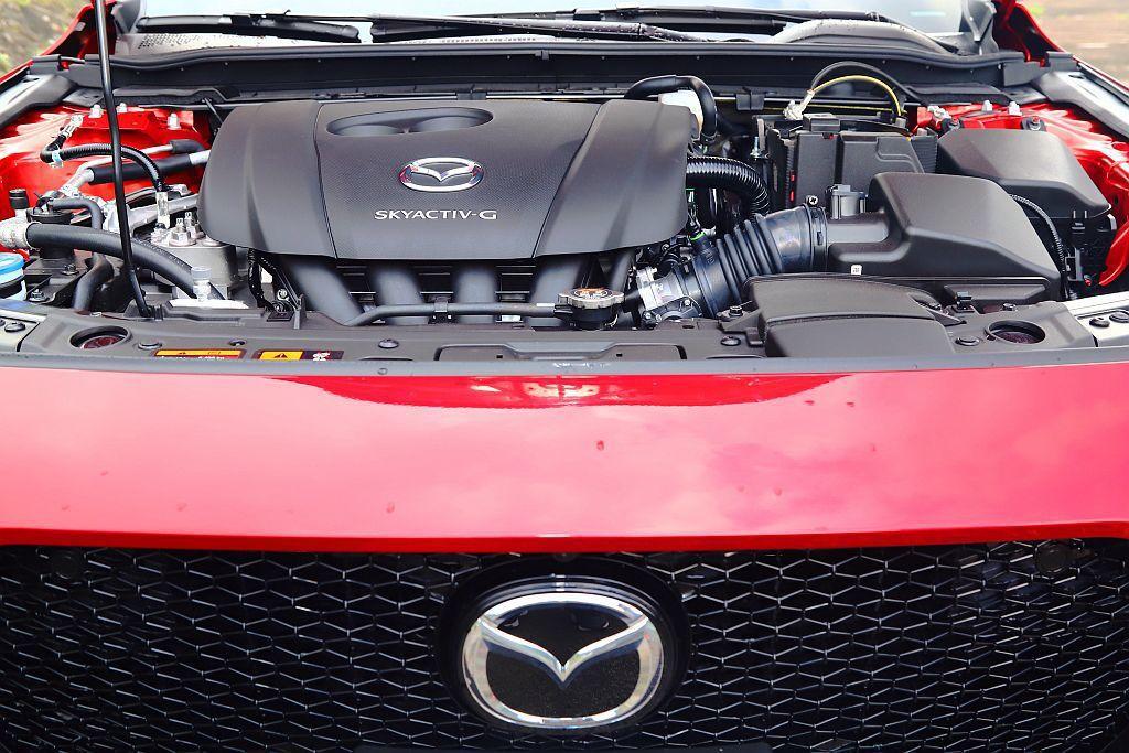 這具2.0L Skyactiv-G自然進氣汽油引擎,其實內部有不少調整,如改變活...