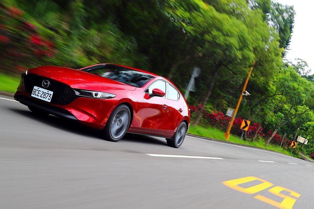 新Mazda 3更著重於NVH車艙隔音工程,行進時車艙的肅靜性絕對是優於同級對手...
