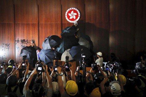 香港七一遊行後,特區政府與公民社會的「民意爭奪戰」
