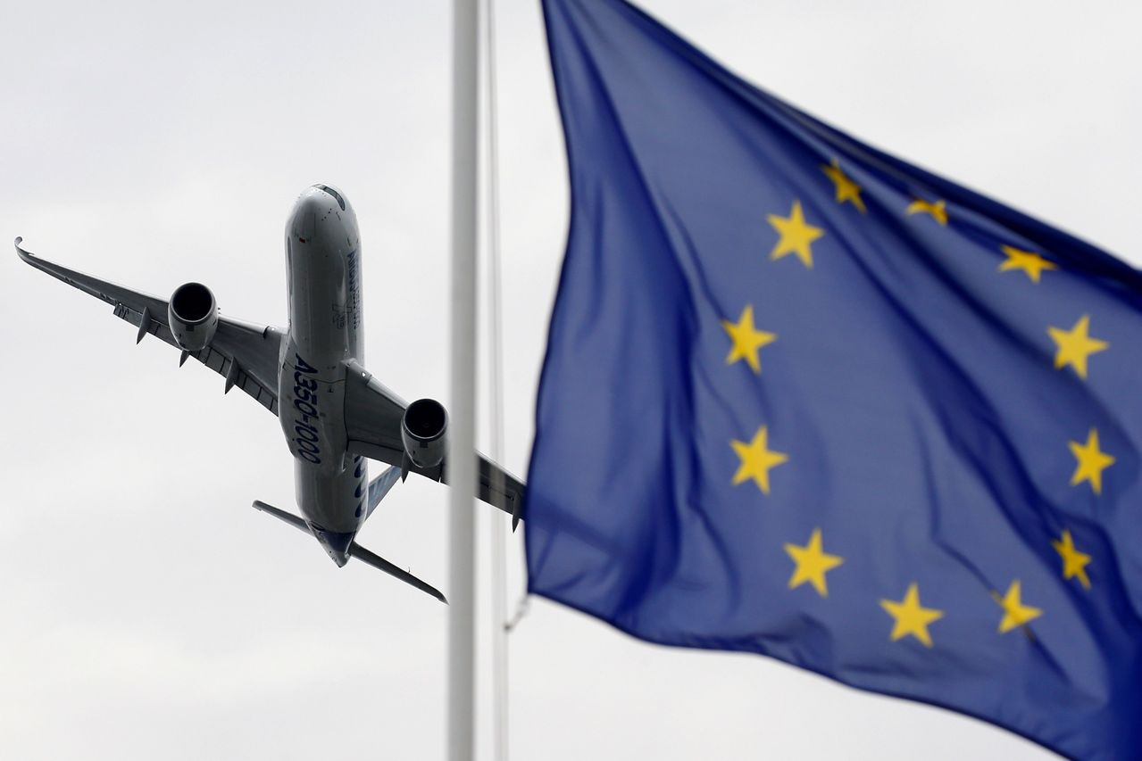 英國前後任外相強生與韓特競選保守黨黨魁暨首相的結果將在23日揭曉,歐盟對於2人脫...