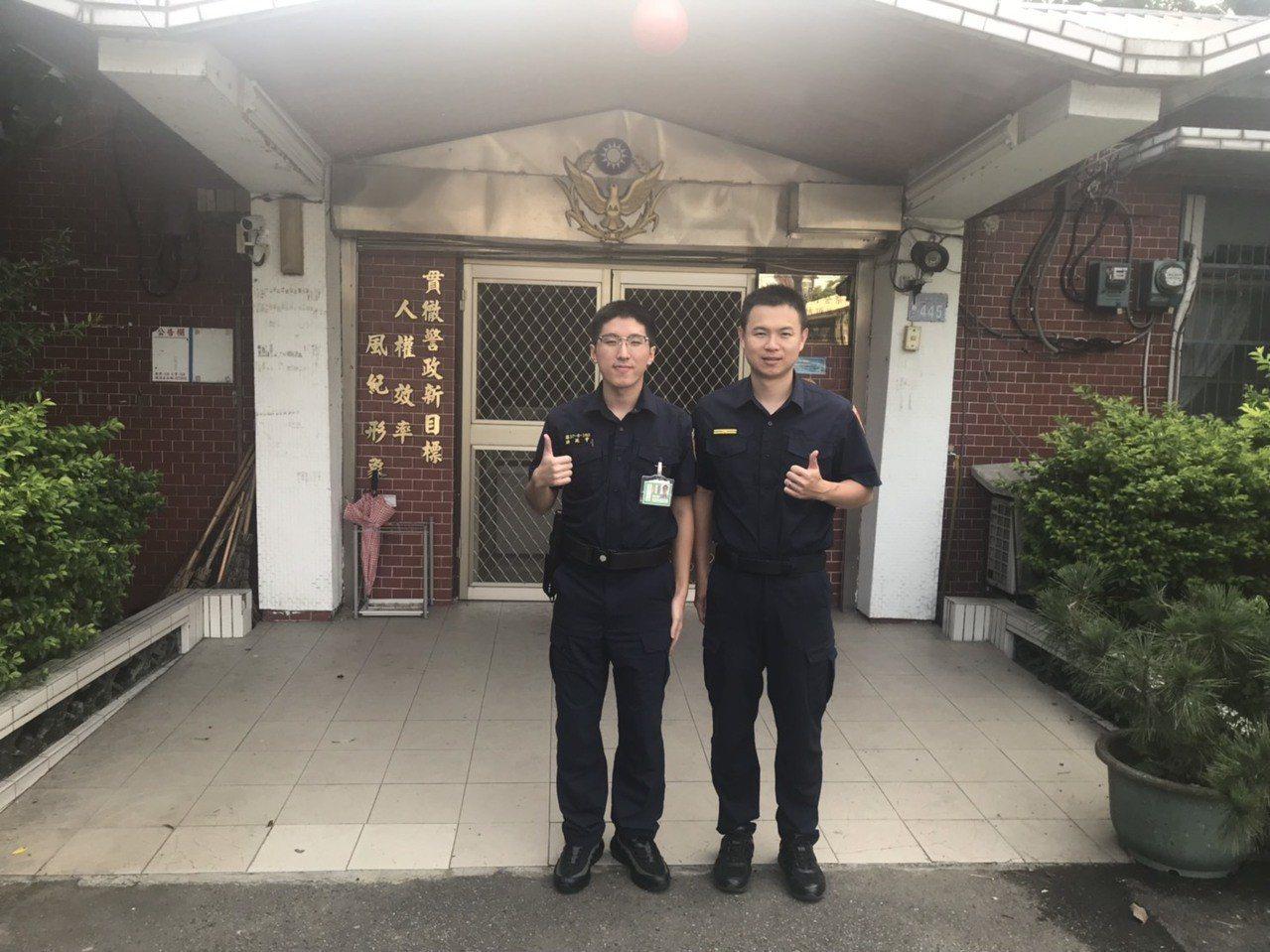 洪廷宇(左)到楊梅警分局埔頂派出所實習,弟弟洪羽頡一年多前在這個所任職7天不幸殉...