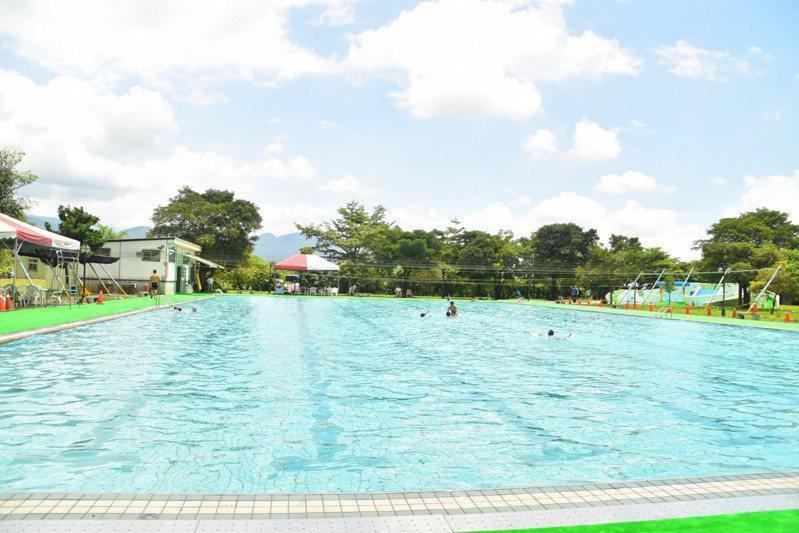 宜蘭山泉水游泳池開放了,就在三星鄉義德路58之8號的鄉立游泳池。圖/三星鄉公所提供