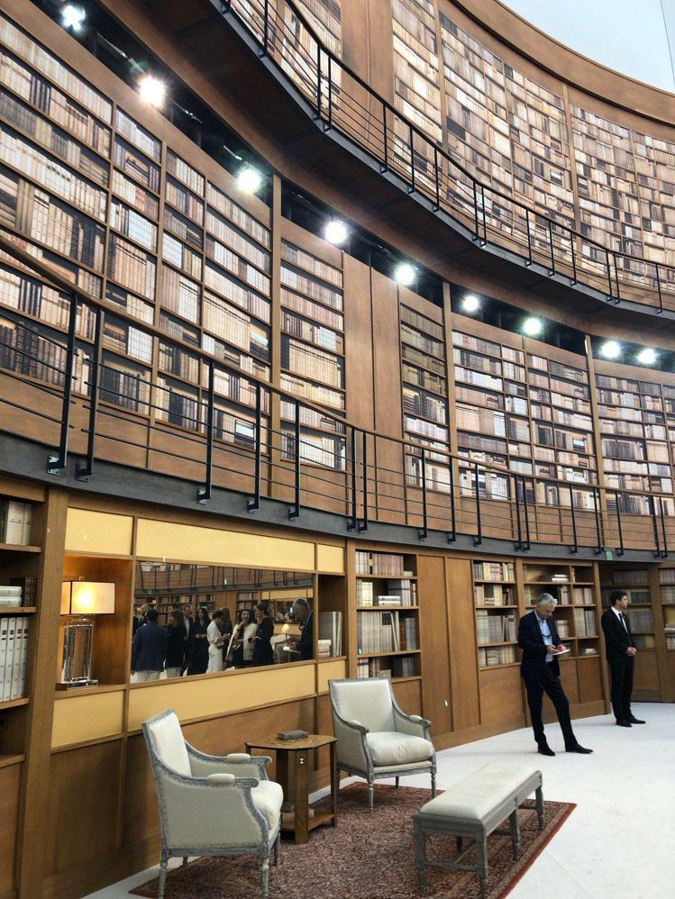 香奈兒在巴黎大皇宮內打造一座舒適的圖書館。記者孫曼/攝影
