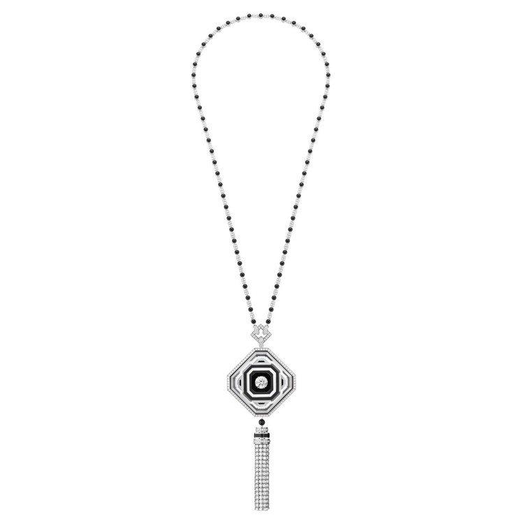26V項鍊,鍊墜寶石採3D鑲嵌縞瑪瑙、白水晶和白瑪瑙,中央鑽石為5.22克拉。圖...