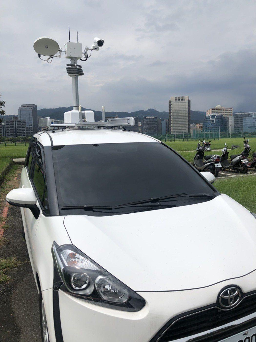 環保署開發的聲音照相系統可裝載於車頂到各處稽查。圖/環保署提供
