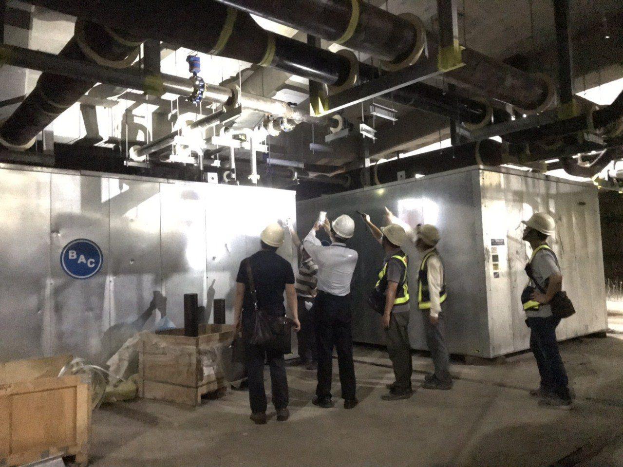 北市府、四大技師公會昨現勘大巨蛋施工,研判配合排水系統施,移動儲冰槽位置「尚屬合...