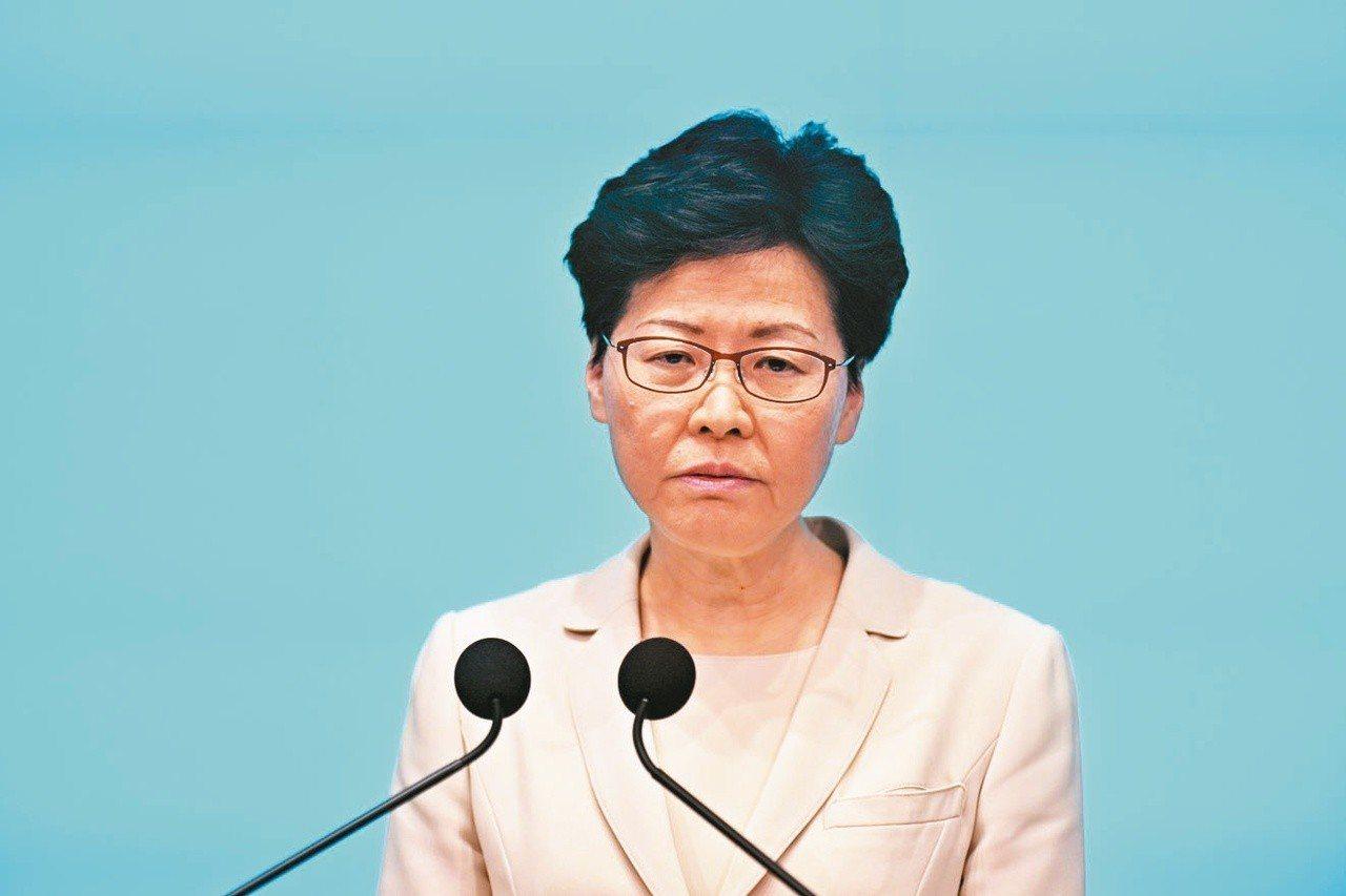 香港政府日前宣布暫緩修訂逃犯條例,特首林鄭月娥未提「撤回」修例也未提及問責下台。...