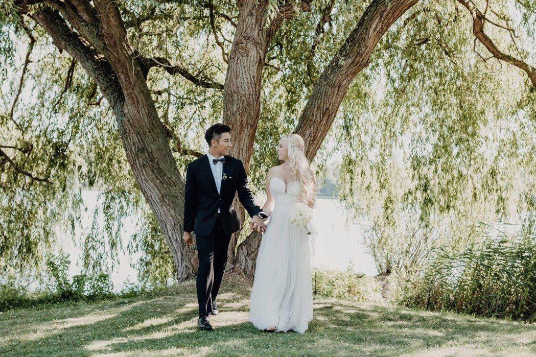 羅平在妻子Madlen德國家鄉完婚。圖/TVBS提供
