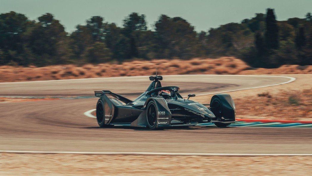 為了參加Formula E電動方程式,Porsche還開發了一套全新電動系統。 ...
