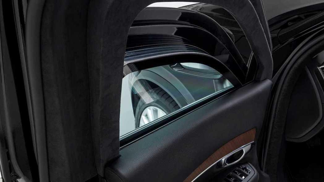 XC90 Armored擁有10mm厚度的高強度鋼板,玻璃厚度更是達50mm。 ...