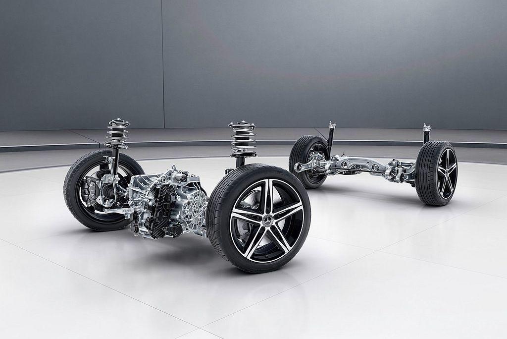 賓士A250e將搭載15.0kWh鋰離子電池,可提供約60km的純電行駛效能(W...