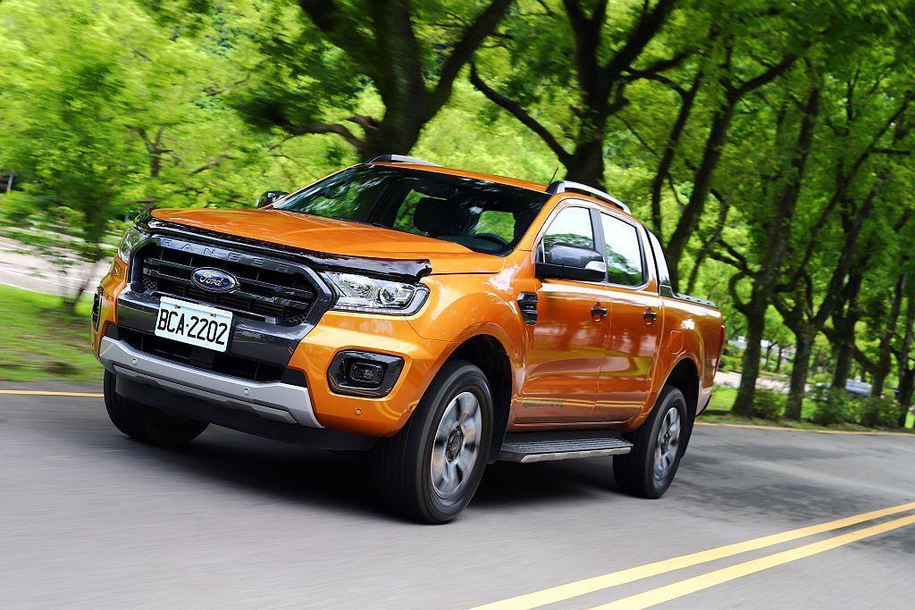 Ford Ranger的動態表現絲毫不遜色SUV車款。 記者張振群/攝影